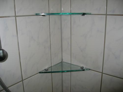 Speil og hyller